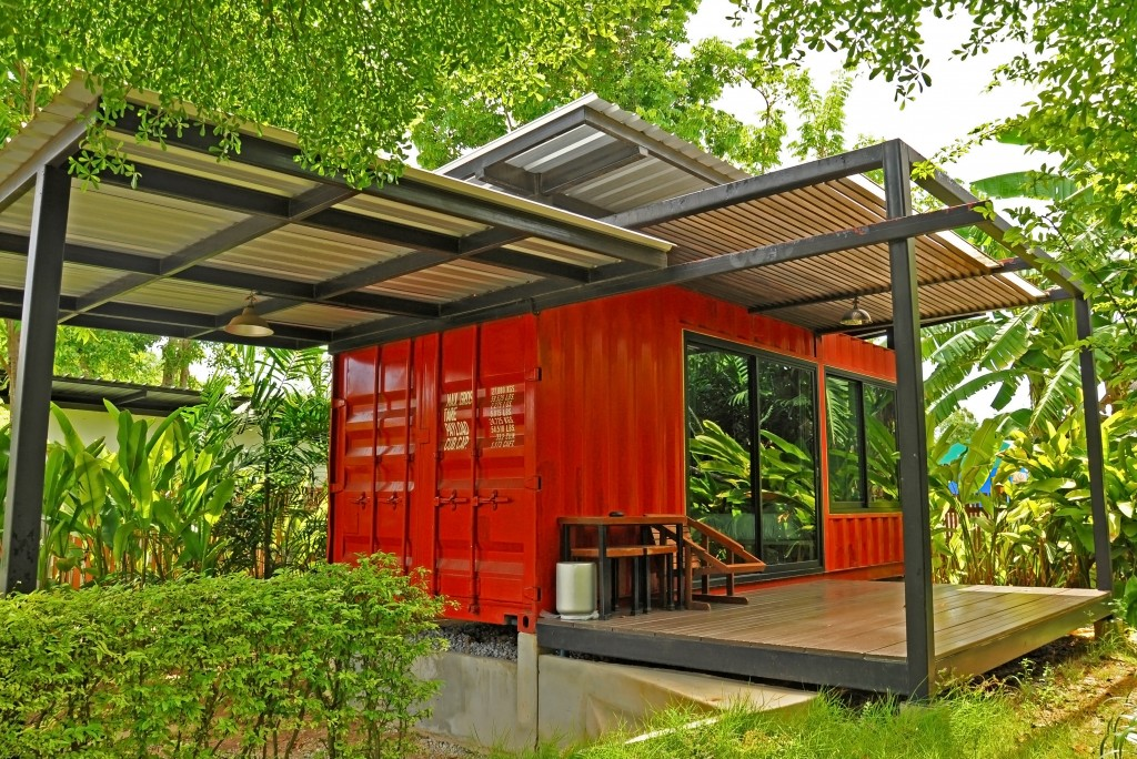 Modern shipping container house
