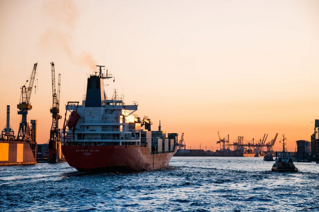 Shipping vessel